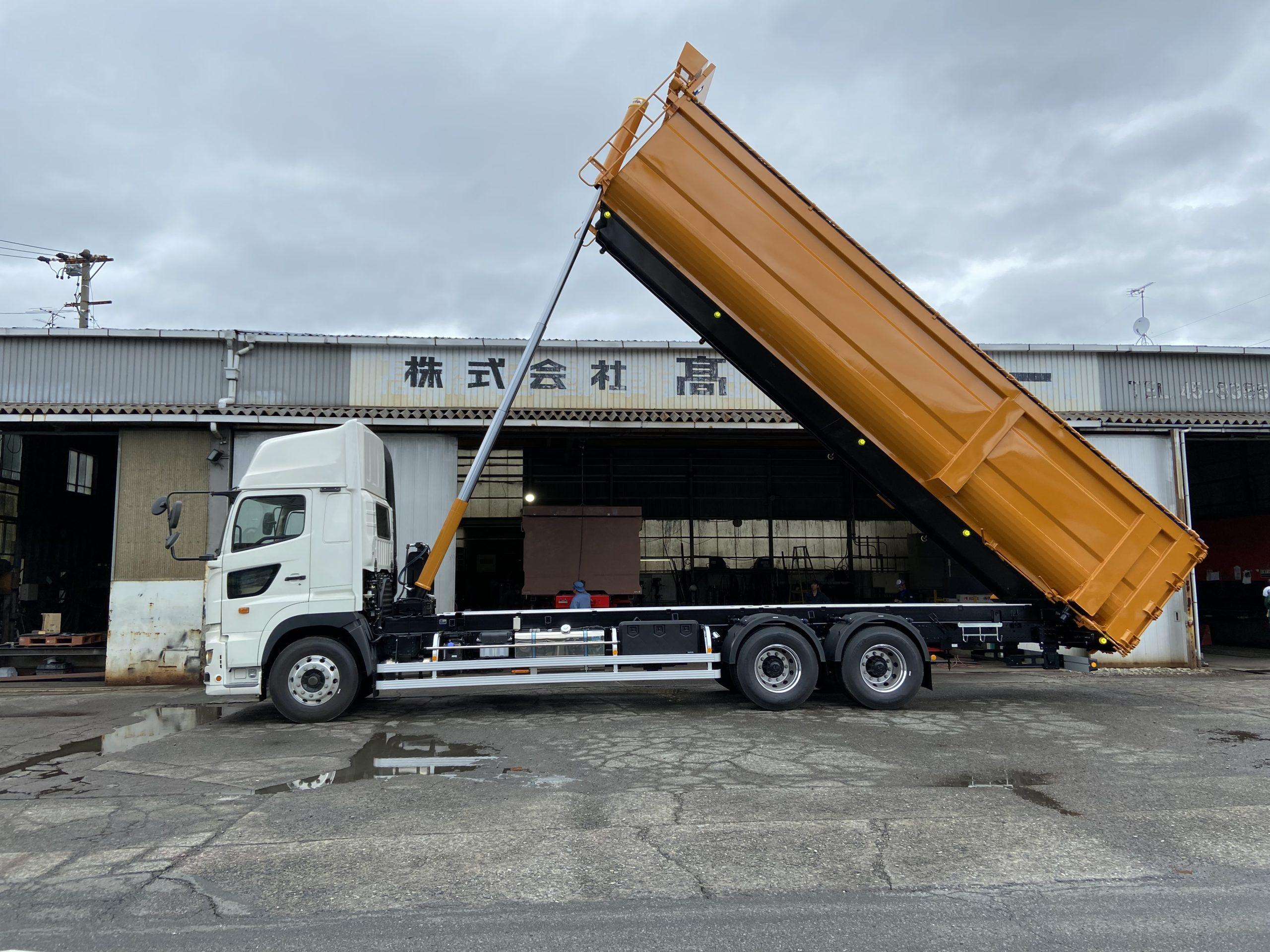 産業廃棄物運搬車両