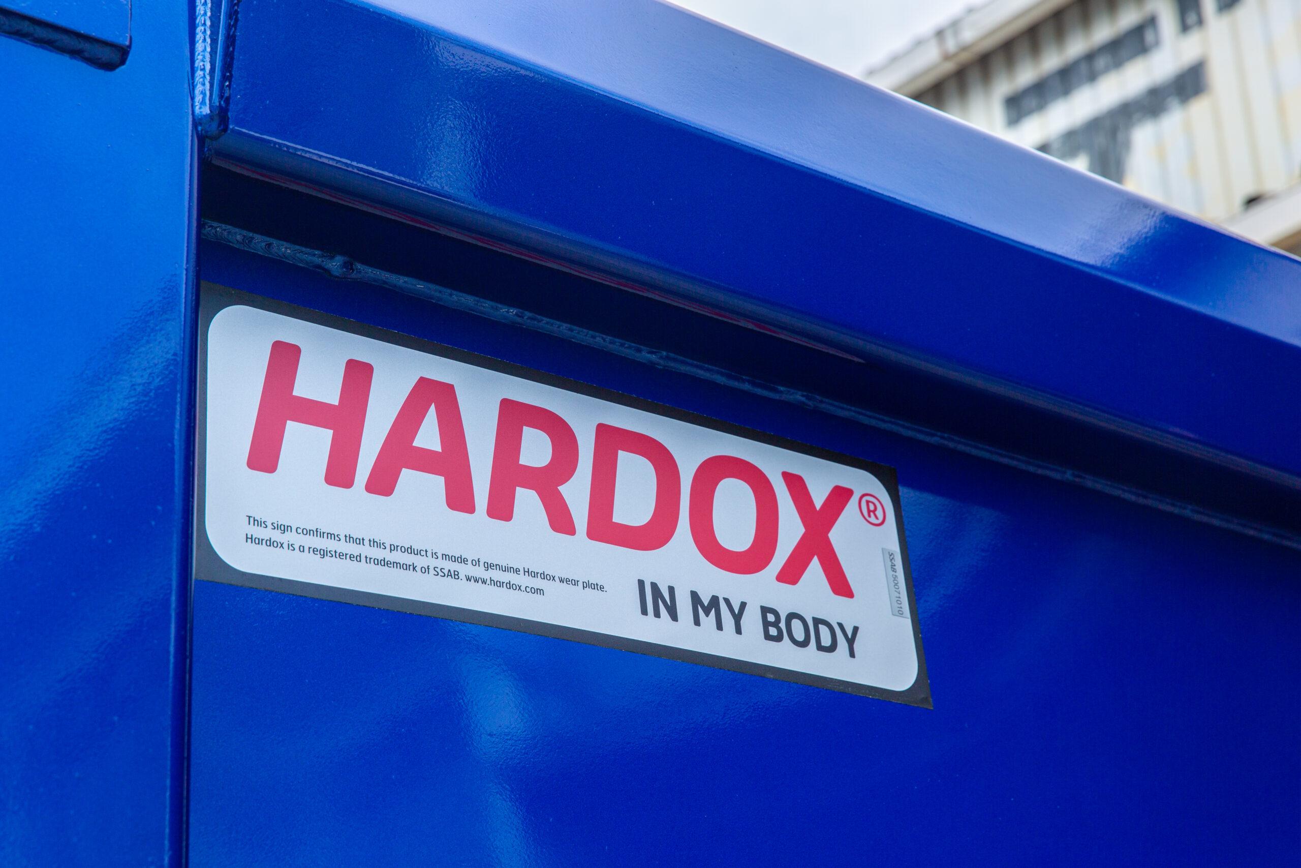 HARDOX IN MY BODYのシール